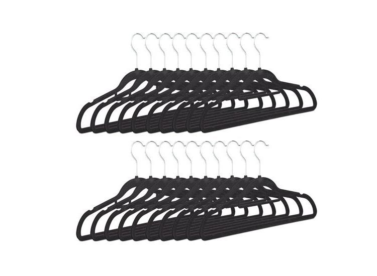Afbeelding van 16 kledinghangers zwart
