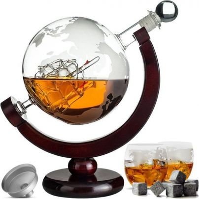 Whiskey Decanteerkaraf - Wereldbol - Luxe Whiskey Karaf Set - 0,8 L - Incl. 8 Whisky Stones & Schenktuit