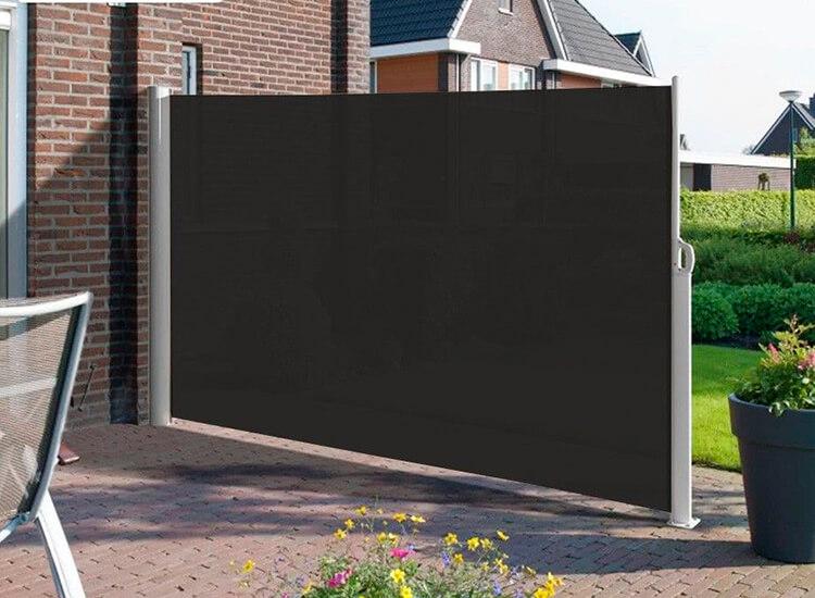 Oprolbaar windscherm - beschikbaar in zwart of creme - Geniet van meer privacy op je balkon of terras,Voorzien van automatisch terugrol systeem,Ook ideaal om uit de wind te zitten,Weerbestendig en eenvoudig schoon te maken
